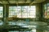 废弃的布类制造厂逃脱